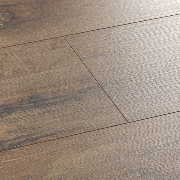 wembury wild oak laminate flooring swatch