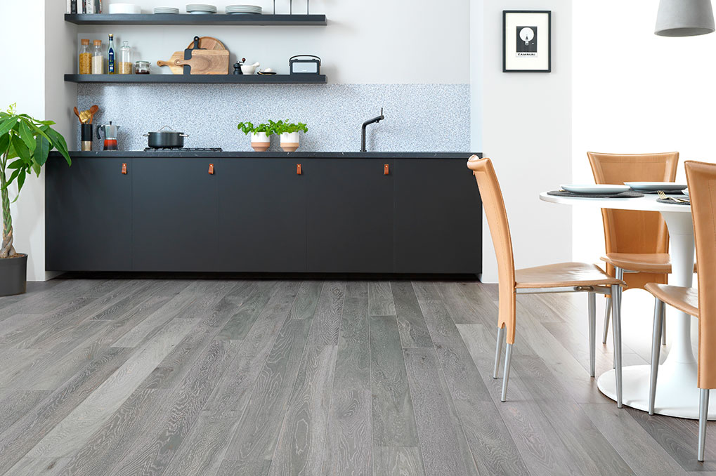 kitchen flooring lacquered wood floor