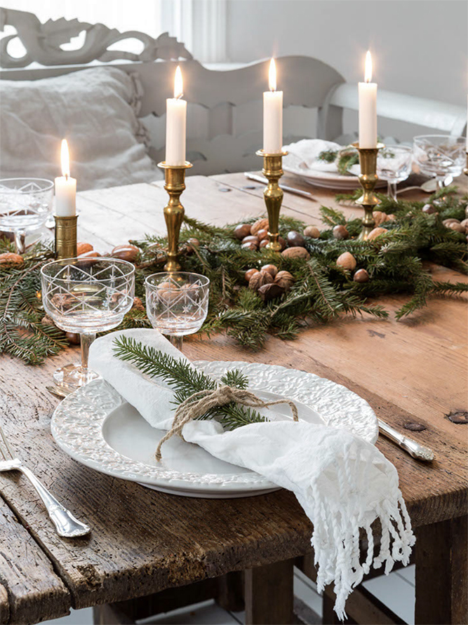 Christmas Table Decor Styles | Woodpecker Flooring