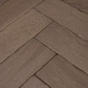Goodrich-Barn-Oak-Swatch