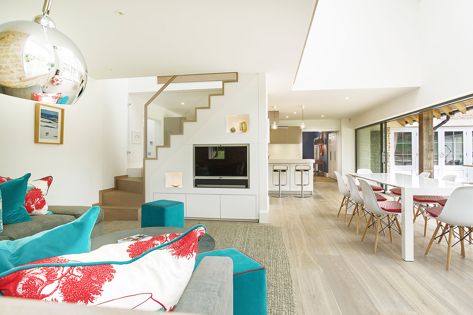 Who Hires An Interior Designer Savvy And Stylish. U201c