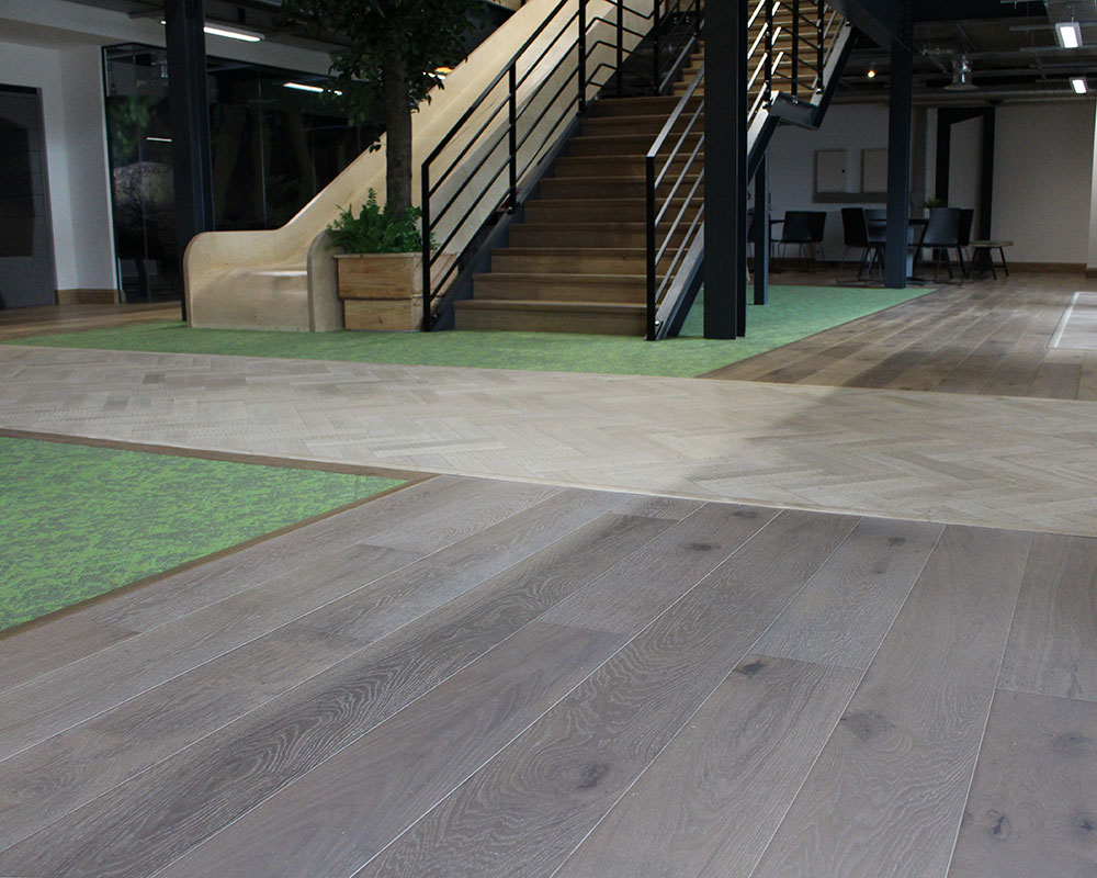 Using wood to define spaces woodpecker flooring professional for Define flooring
