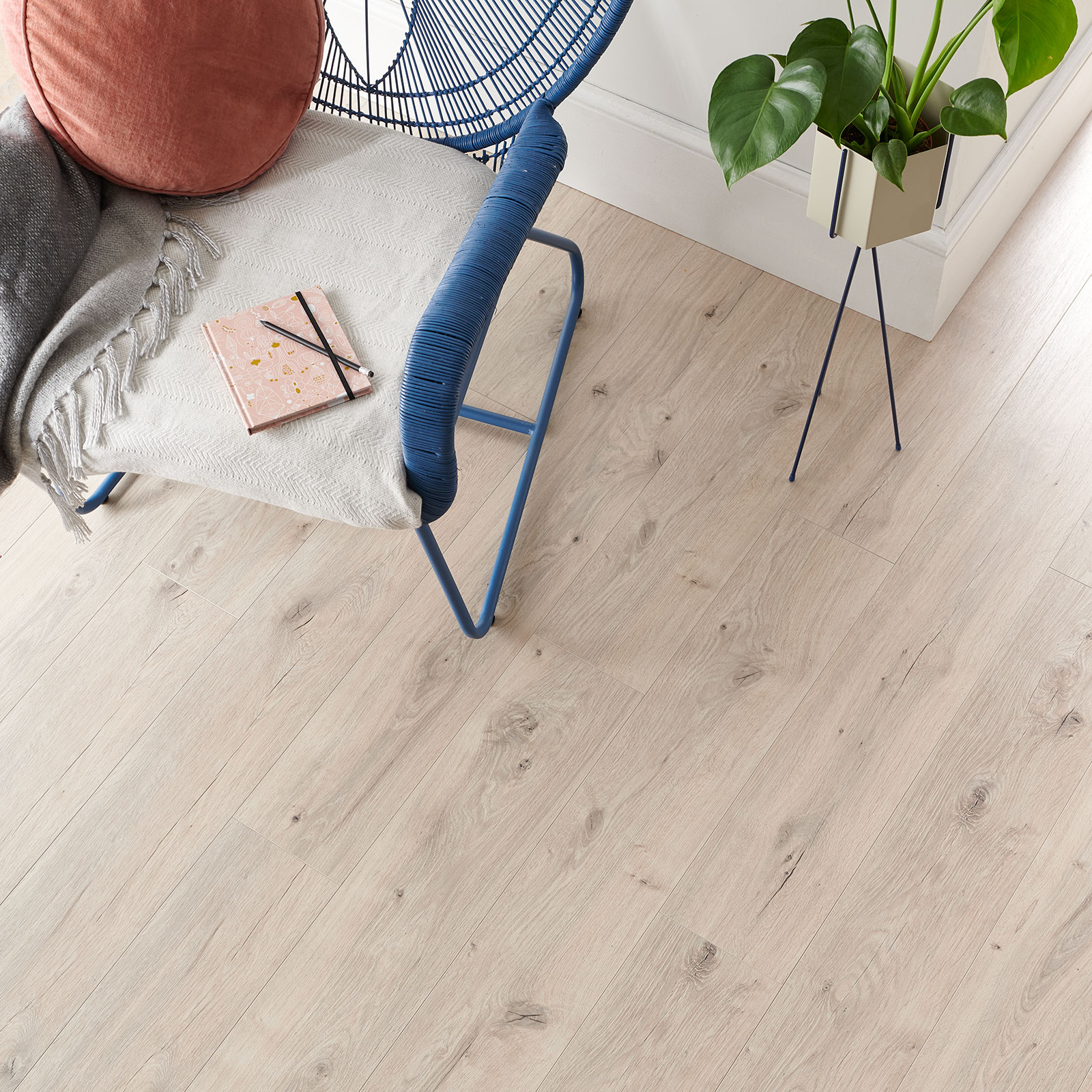 laminate flooring frosted oak image