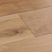 Harlech-Raw-Oak-swatch